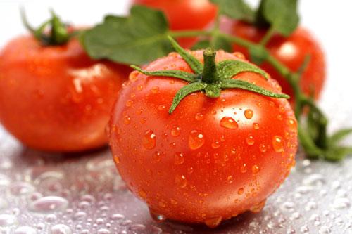Cách tẩy lông chân bằng cà chua tại nhà, bạn đã thử?1